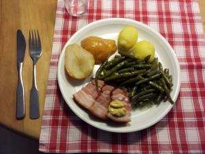 Birnen Bohnen und Speck es un plato típico del norte de Alemania.