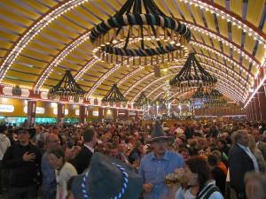 Carpa Löwenbräu dentro, Oktoberfest