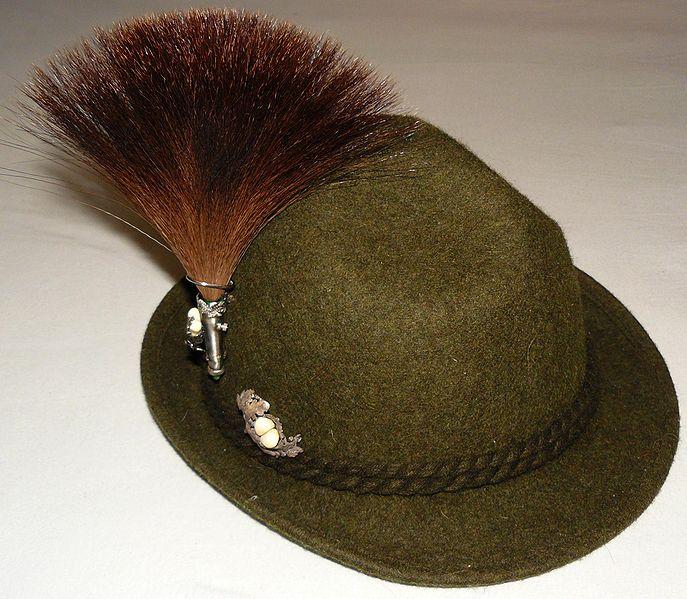 Gamsbart. El Gamsbart es un elemento de la ropa tradicional alemana ... 7d1e11e510f