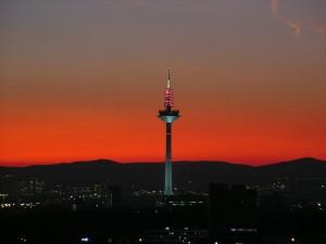 La primera torre de difusion fue el Europaturm.