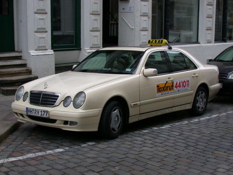 taxis en hamburgo guia de alemania. Black Bedroom Furniture Sets. Home Design Ideas