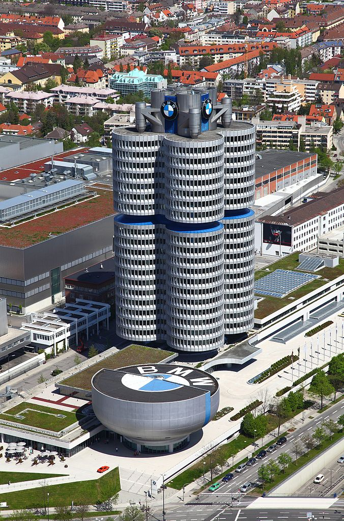 edificio bmw m nich guia de alemania. Black Bedroom Furniture Sets. Home Design Ideas
