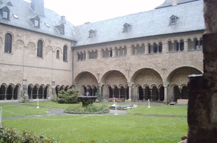 Catedral-de-bonn-claustro