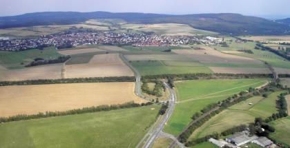 Vista aérea de un pueblo típico de Taunus