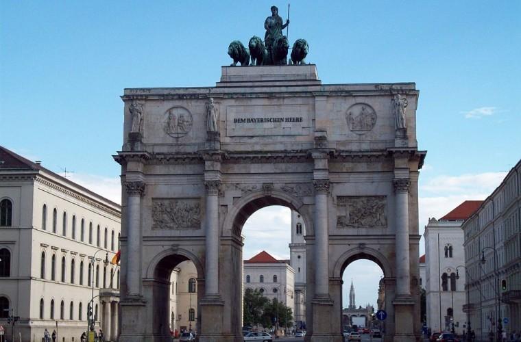 siegestor puerta de la victoria guia de alemania