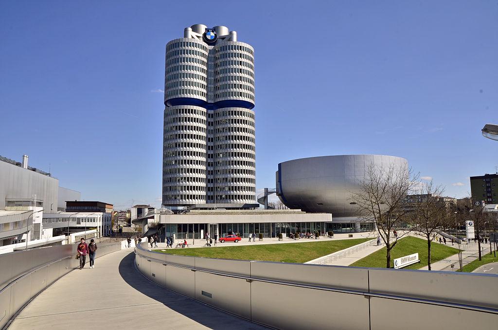 Edificio Bmw M 250 Nich Guia De Alemania