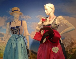 Dirndl, vestimenta típica para las mujeres.